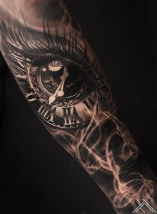 Eye_clock_smoke_tattoo_tattoofrequency_riga_sweden_marispavlo
