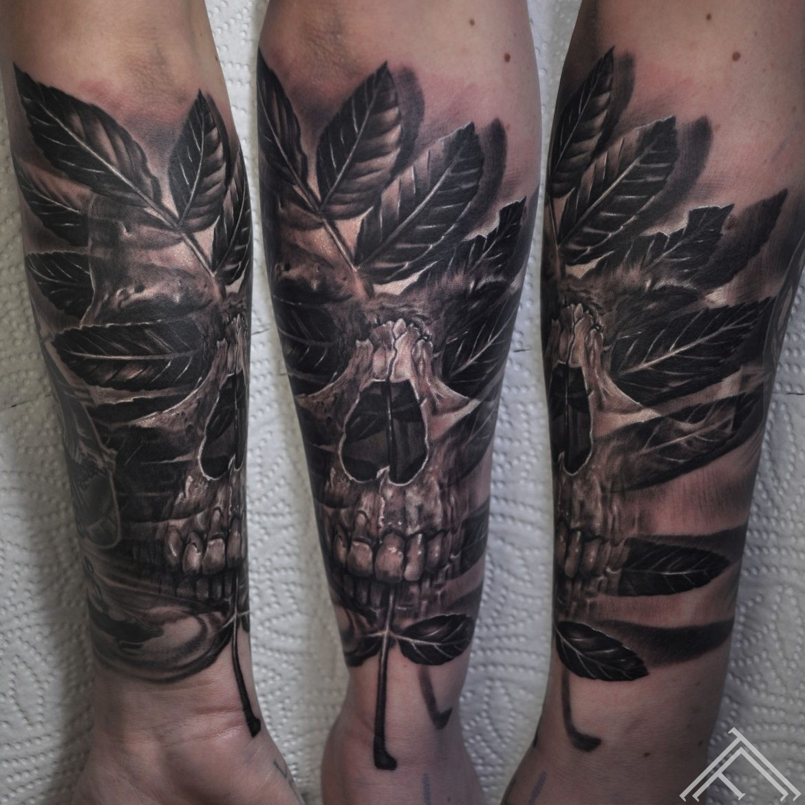 Hedvig Keller-tattoo-nature-leaf-skull-tattoofrequency-marispavlo-sweden