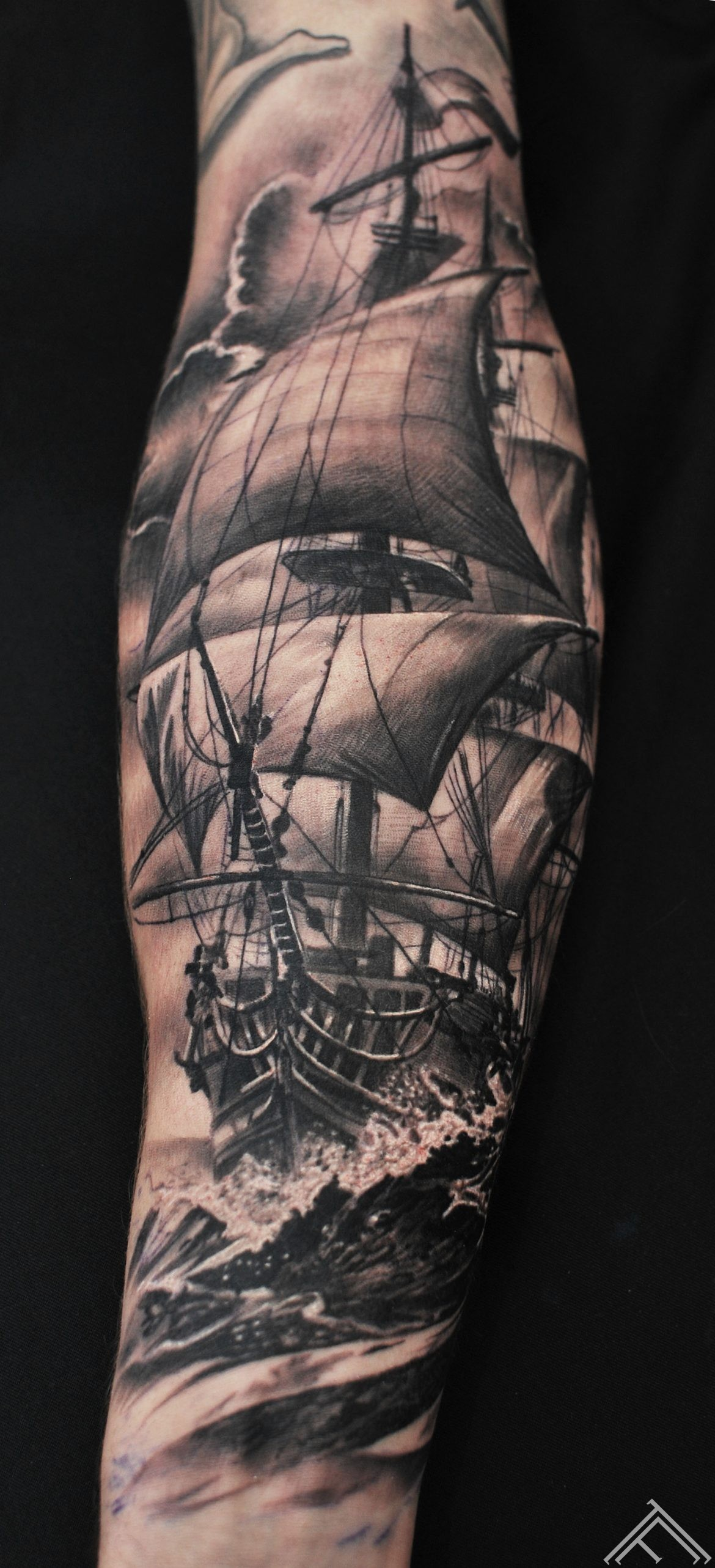 JoacimEriksson-ship-sailing-manofwar-sea-waves-ocean-marispavlo-tattoofrequency