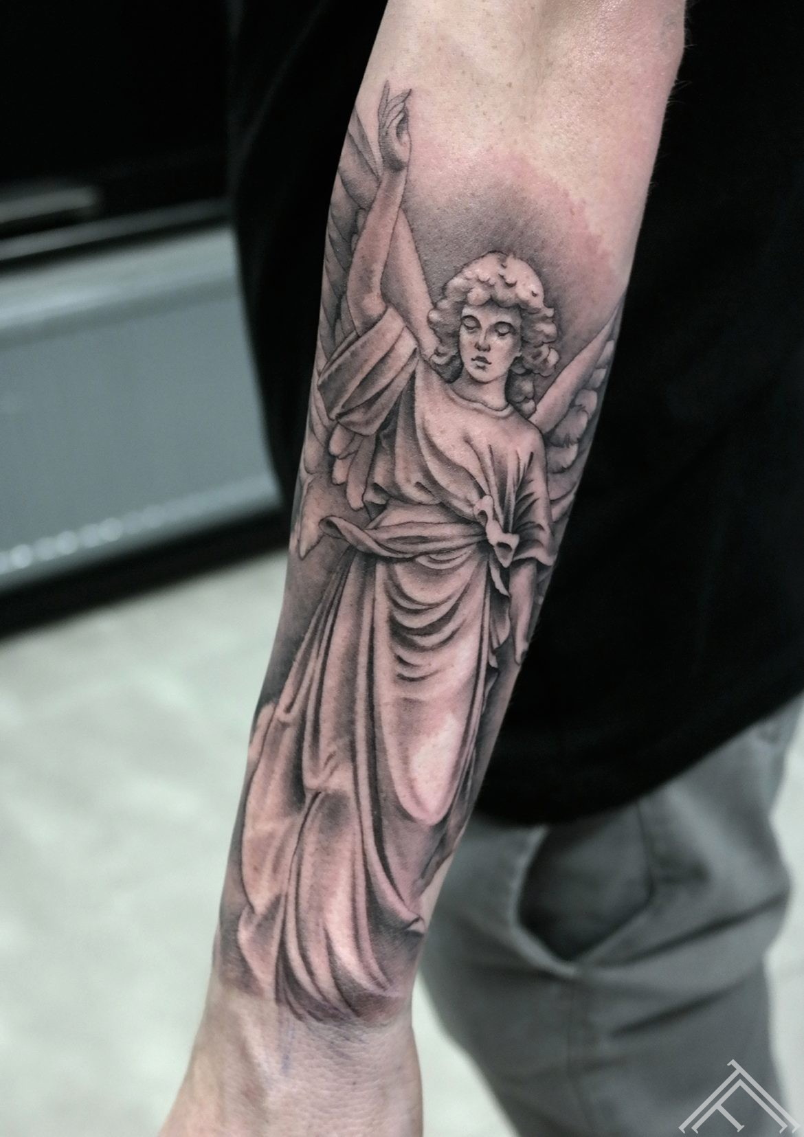 angel-enģelis-tattoo-tetovejums-riga-tattoofrequency-art-skulptura