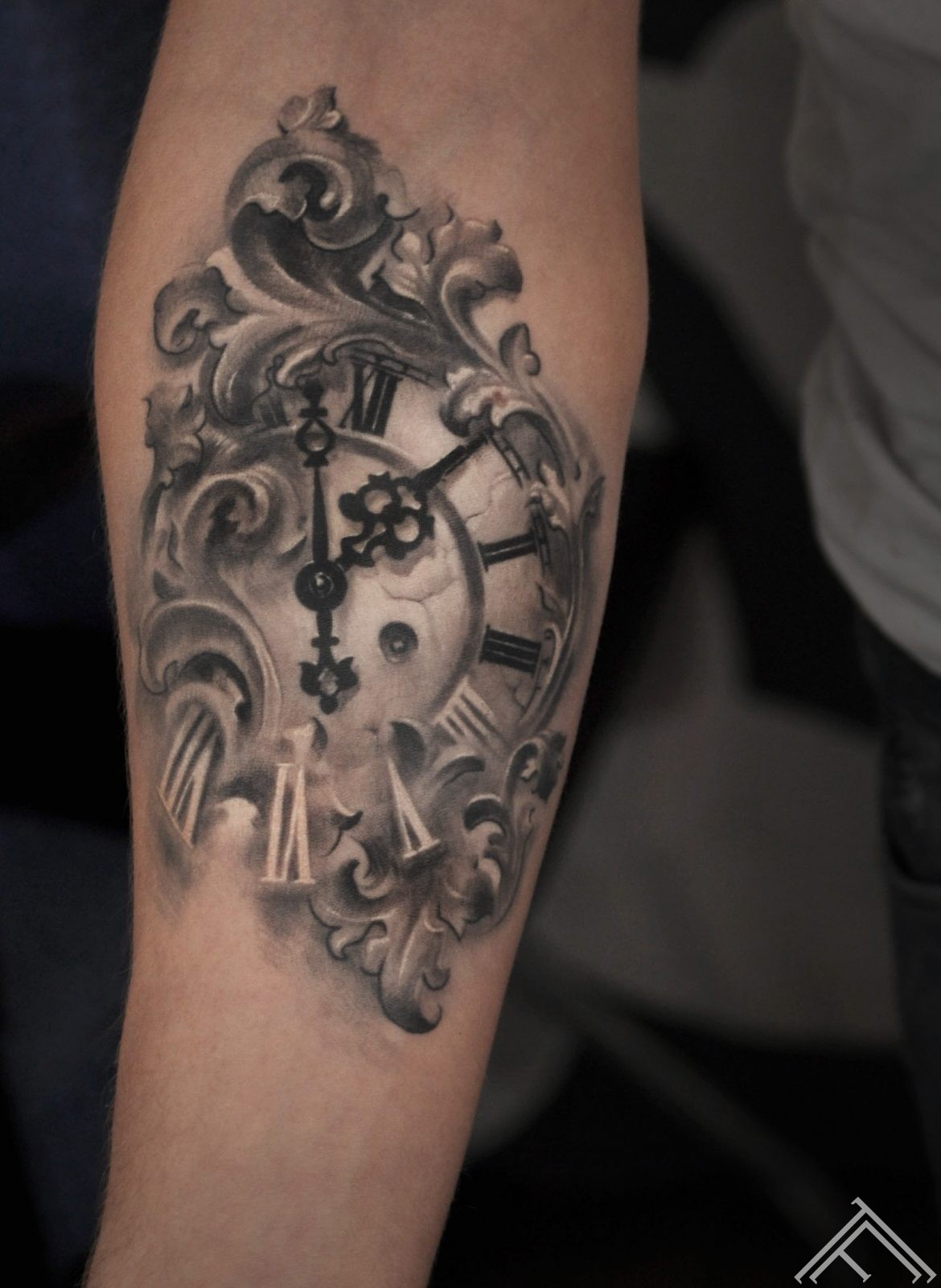 baroque_clock_watch_tattoo_marispavlo_art_tattoofrequency_riga_normal