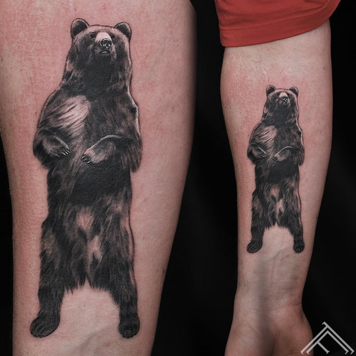 bear-lacis-standing-tattoo-tetovejums-tattoofrequency-studija-salons-riga-art-martinssilins-maksla