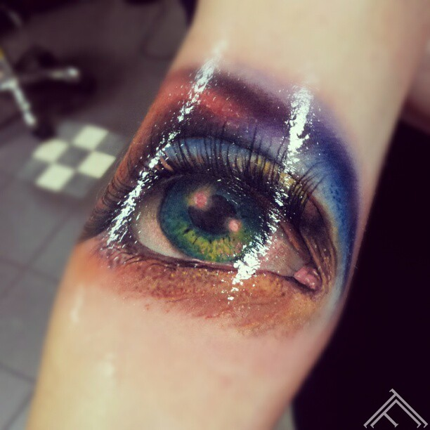 colour_eye_tattoo_marispavlo