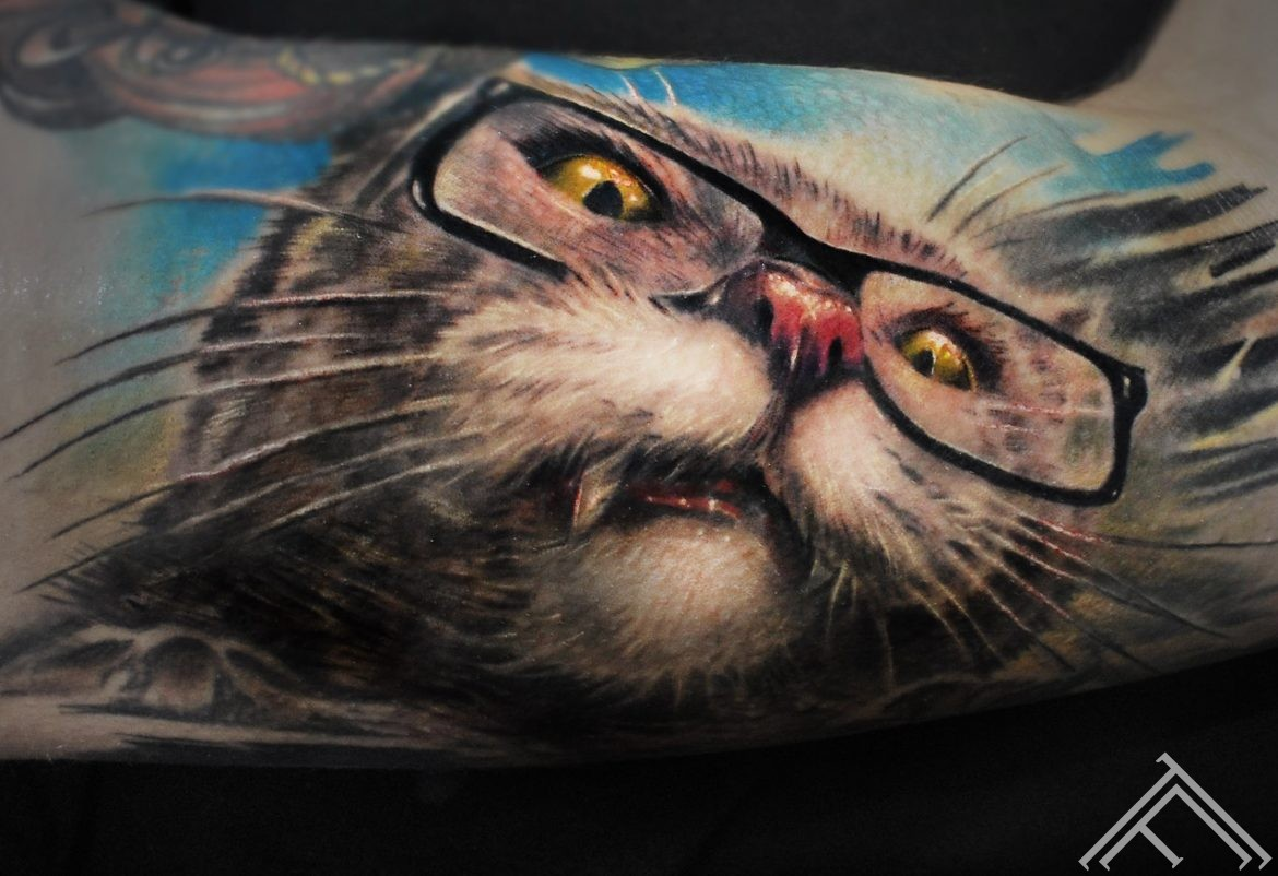 crazy-cat-tattoo-tattoofrequency-art-riga-marispavlo-animaltattoo-normalsize