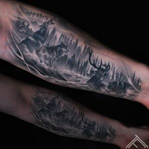 deer-wolfs-vilki-briedis-tattoo-tetovejums-tattoofrequency-studija-salons-riga-art-martinssilins-maksla