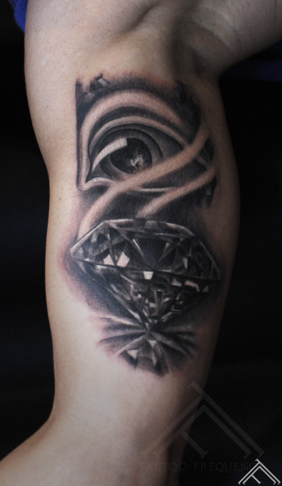 diamond-eye-dimants-acs-tattoo-tetovejums-tattoofrequency-studija-salons-riga-art-martinssilins-maksla