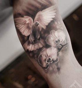 dove-orchids-orhidejas-ziedi-balodis-tattoo-tetovejums-riga-latvija-tattoofrequency