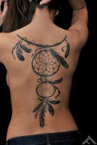 dream_cacher_tattoo_marispavlo_tattoofrequency_feather_rigatattoostudio