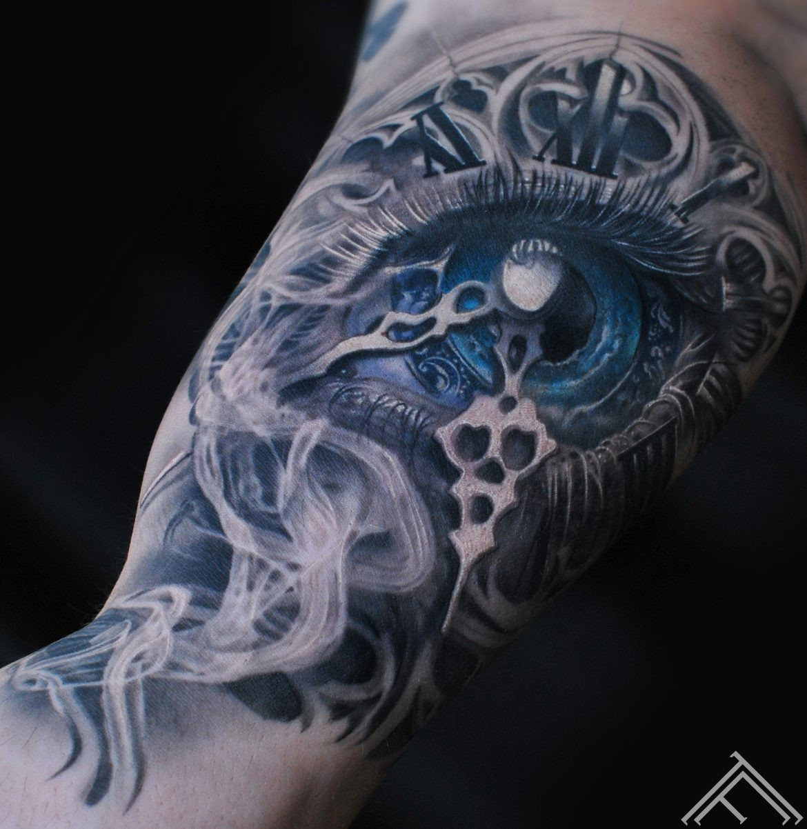 eye-clock-acs-pulkstenis-smoke-dumi-baroque-baroks-maksla-tattoofrequency-art-riga-marispavlo