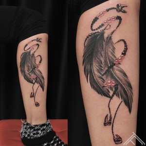 feather-tattoo-spalva-tetovejums-martinssilins-art-tattoofrequency-riga-art
