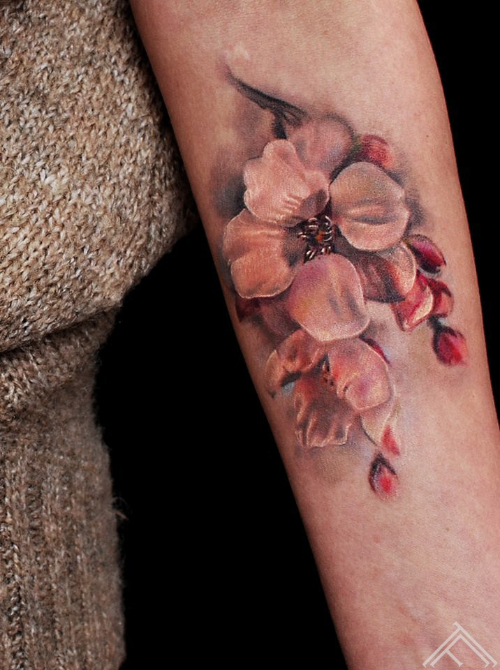 flowers-cherrybloosom-tattoo-tattoofrequency-marispavlo