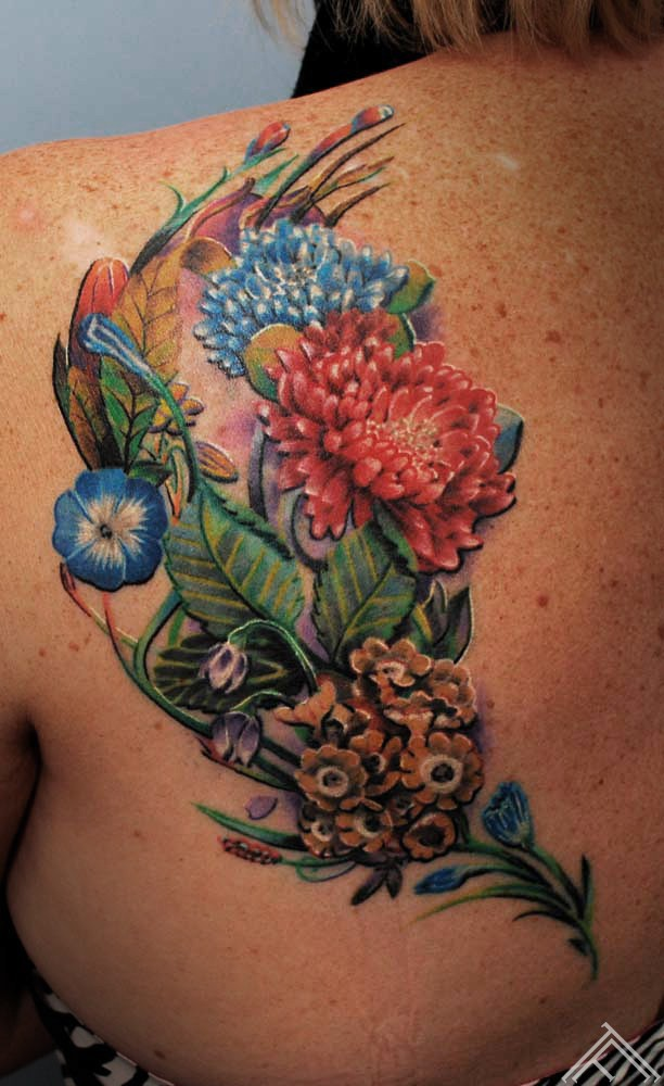 flowers-marispavlo-tattoo-tattoofrequency-frequency-tattoosalooninriga