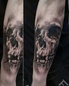 galvaskauss-skull-tattoofrequency-riga-latvija-art-maksla-janissvars