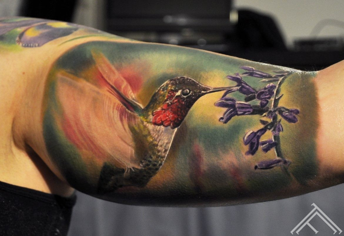 hummingbird_bird_kolibri_flower_salvia_tattoo_tattoofrequency_riga