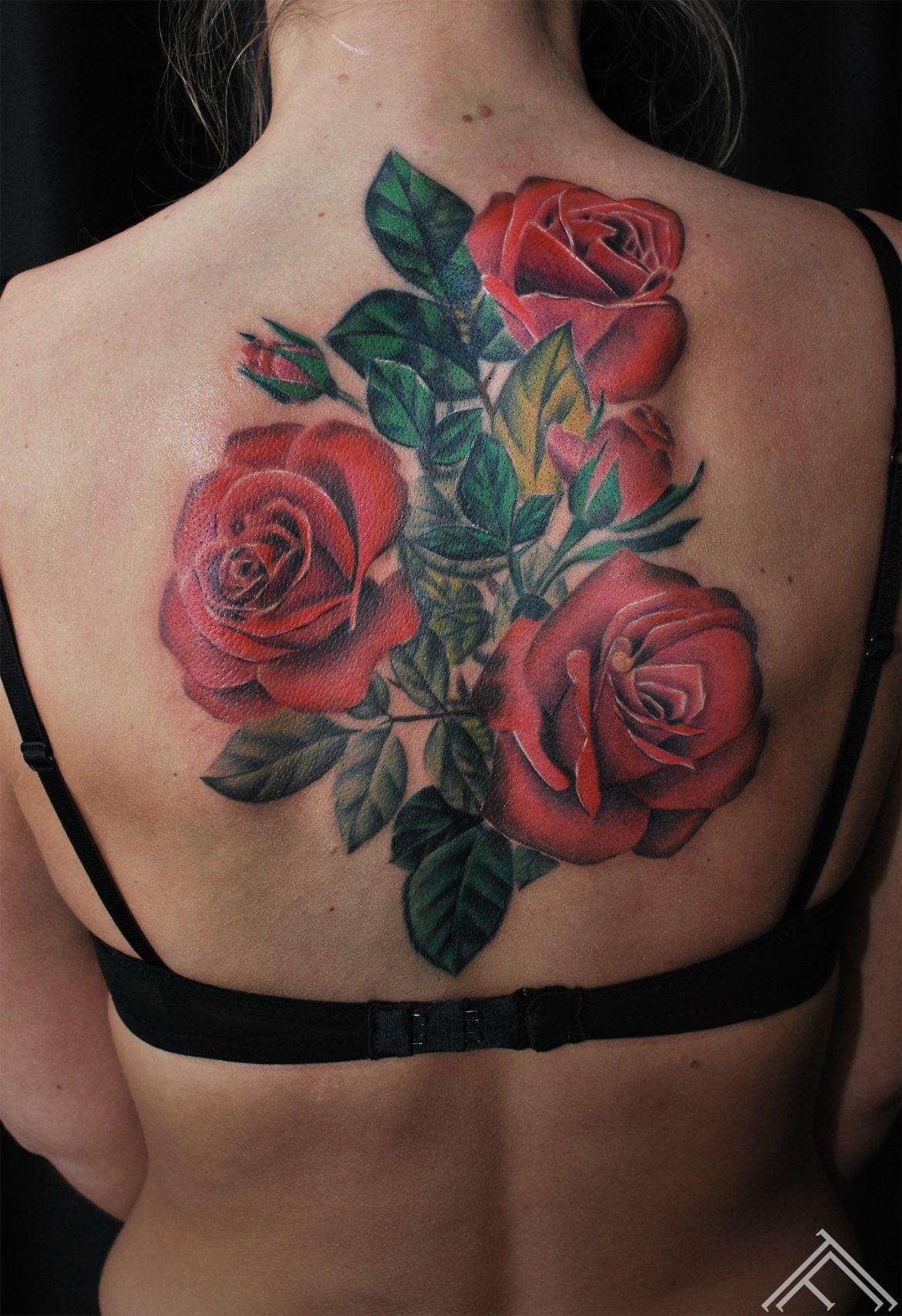 janisanderson-tattoo-tattoofrequency-riga-sporta2-art-roses-rozes-tetovejums