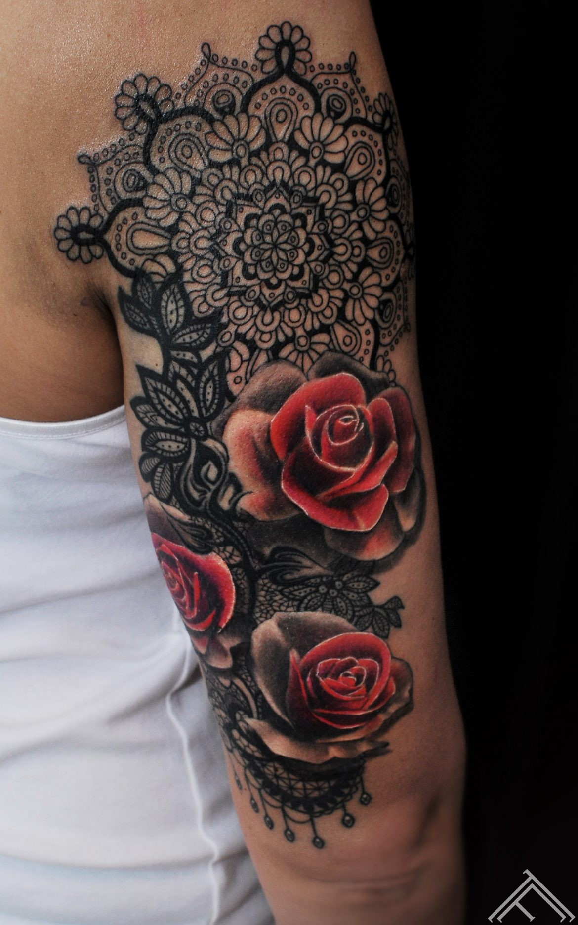 janisanderson-tattoo-tattoofrequency-roses-mandala-lace-rozes-tetovejums-tattoo