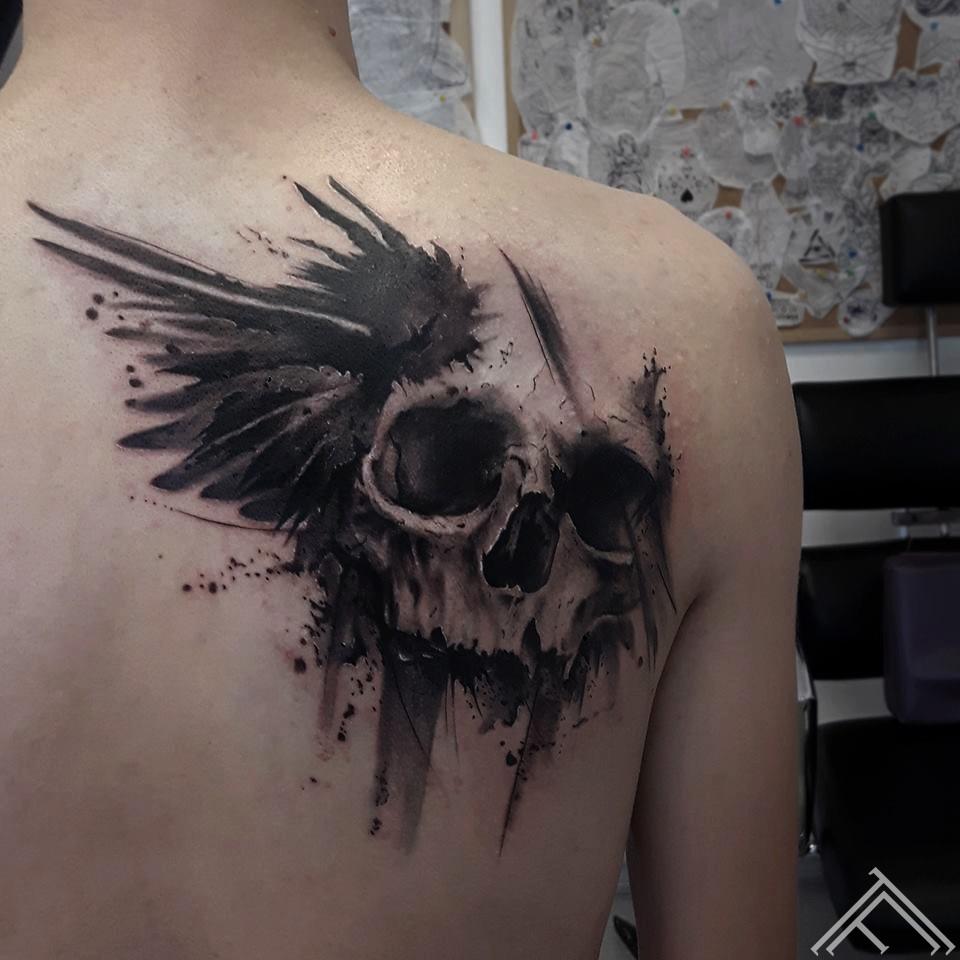 johnlogan-tattoo-tetovejums-galvaskaus-skull-wing-art-tattoofrequency