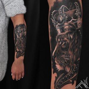 lion-crown-lauva-kronis-tattoo-tetovejums-tattoofrequency-studija-salons-riga-art-martinssilins-maksla