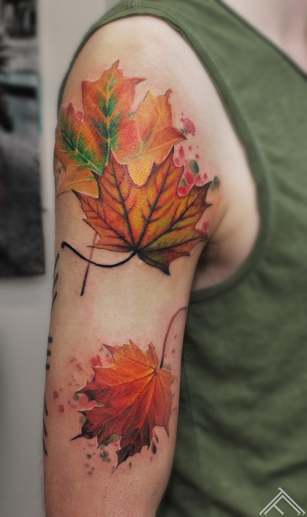 maple-leaf-autumn-tattoofrequency-tattoo-riga-janisanderson