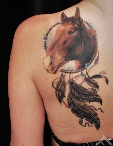 martinssilins-horse-tattoo-zirgs-tattoofrequency-dreamcatcher-feather-spalvas-sapnukerajs-riga-art-maksla