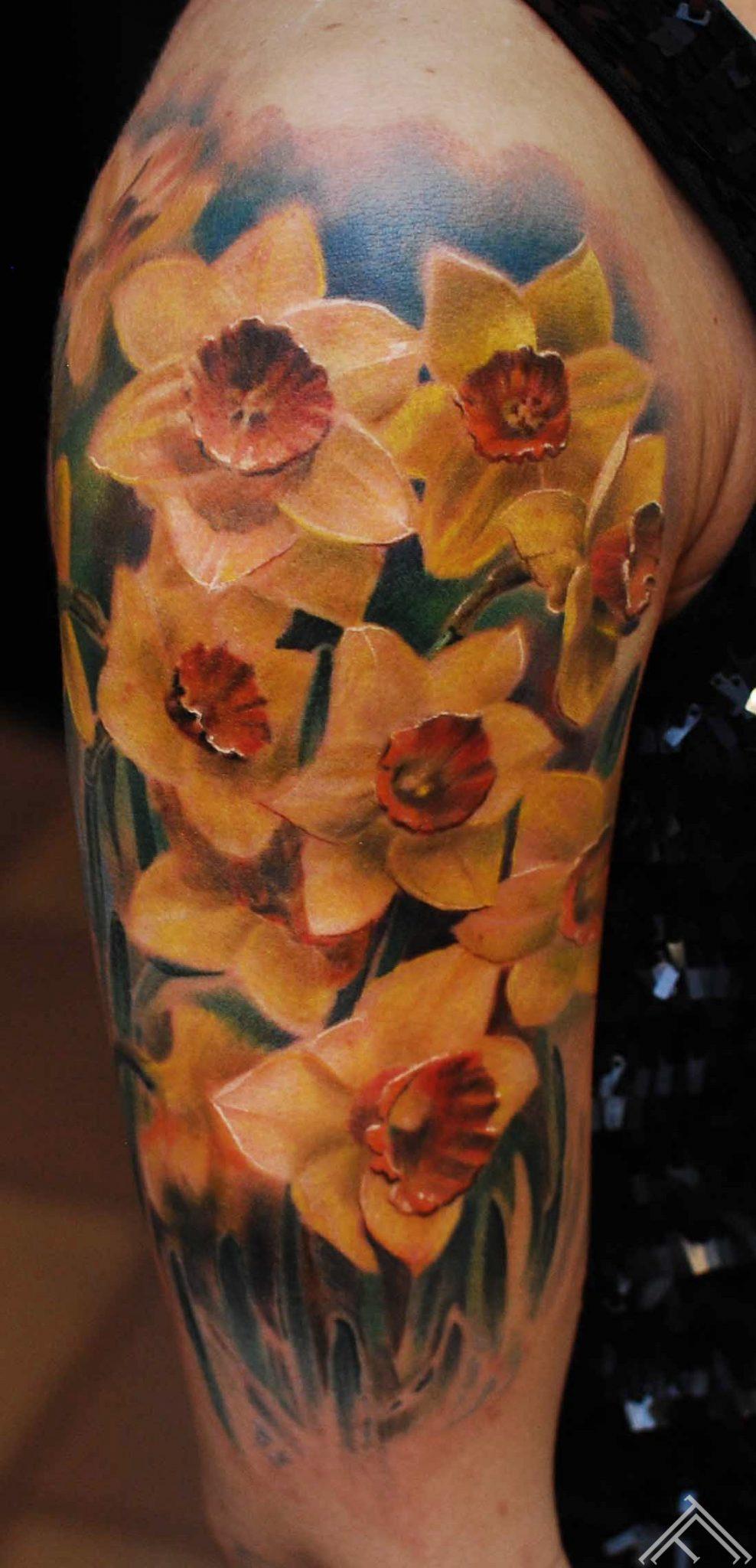 narcis-flower-tattoo-tattoofrequency-marispavlo-riga-portfolio