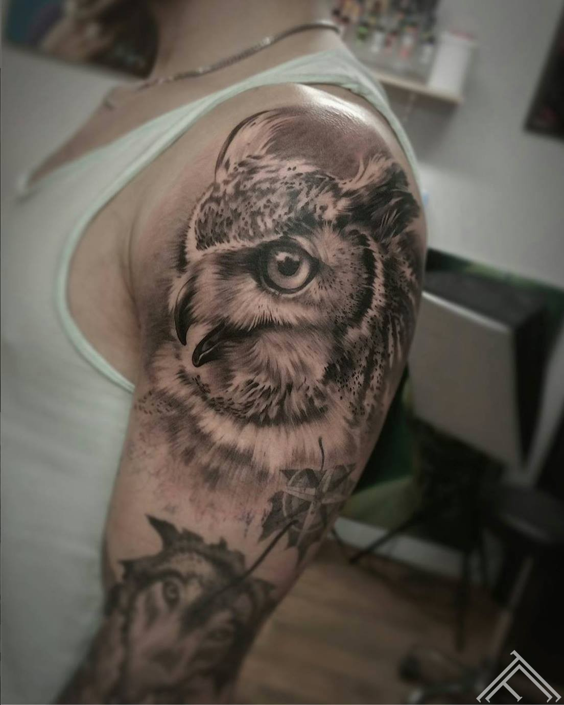 puce-owl-tattoo-tetovejums-tattoofrequency-riga-janissvars