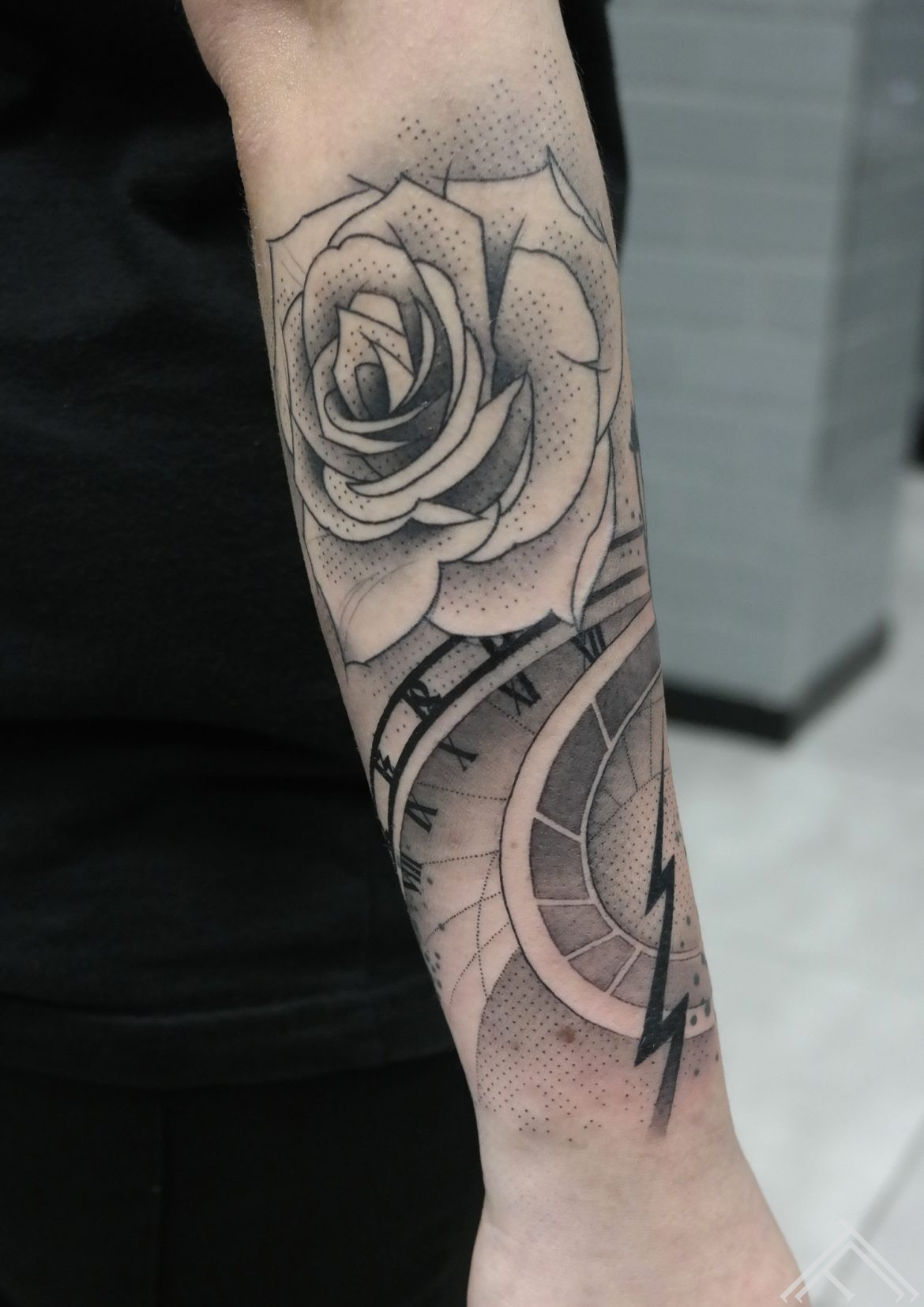 rose-roze-tetovejums-tattoo-tattoofrequency-riga-janissvars