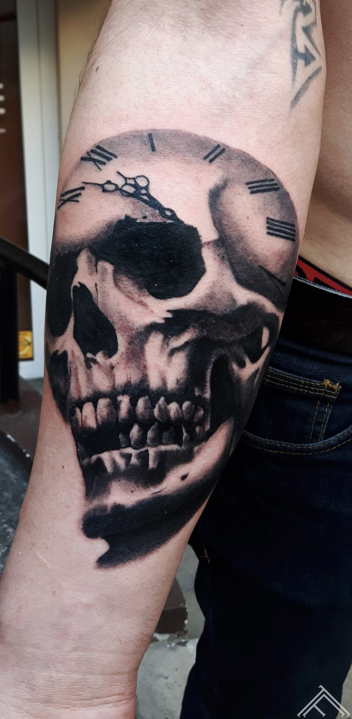skull-abstract-sketch-watercolor-tattoo-tetovejums-krasains-skice-udenskrasa-riga-tattoofrequency-johnlogan