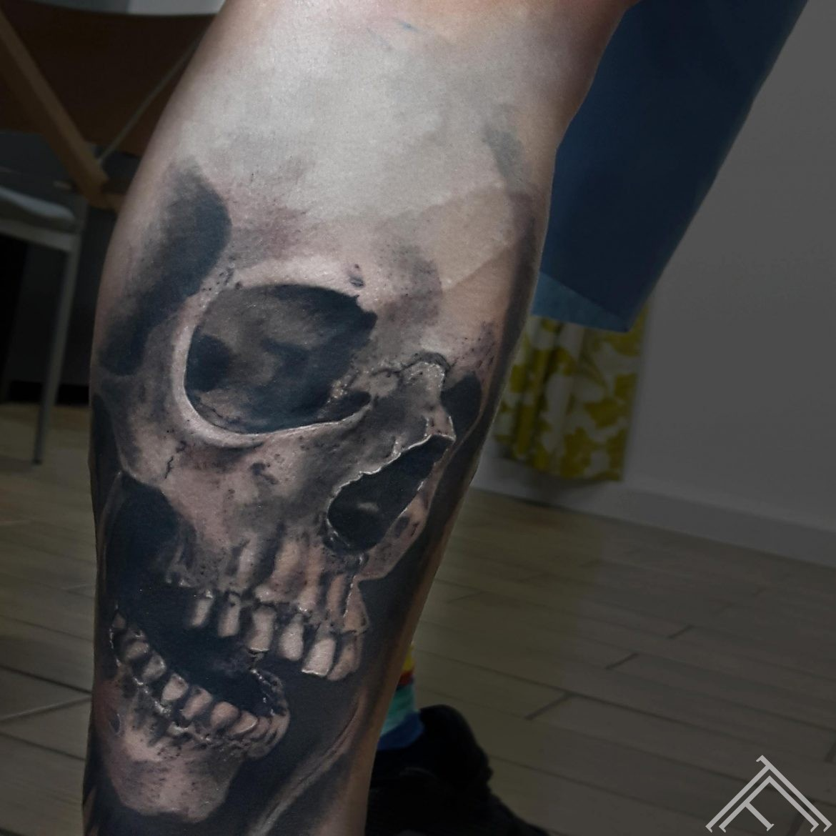 skull-tattoo-tetovejums--riga-tattoofrequency-johnlogan
