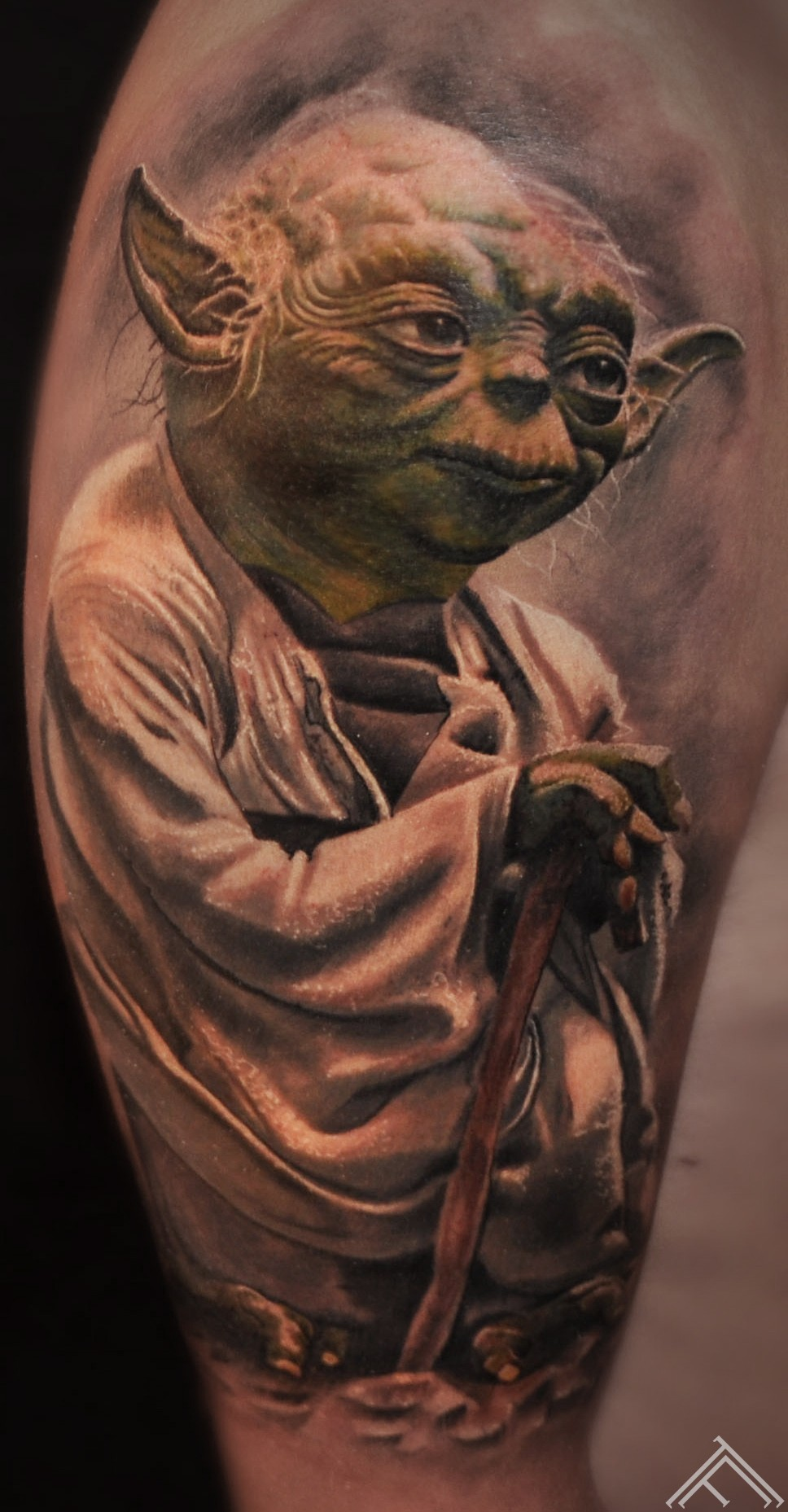 starwars-joda-tattoo-tattoofrequency-marispavlo