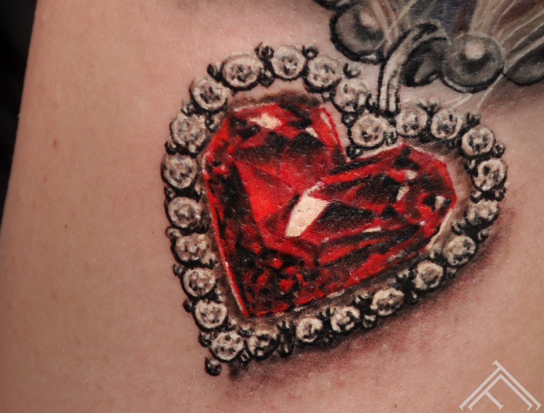 tattoo-diamond-marispavlo-art-tattoofrequency
