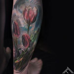tulips_flowers_tattoo_tattoofrequency_marispavlo_riga_tulpes_ziedi_puķes