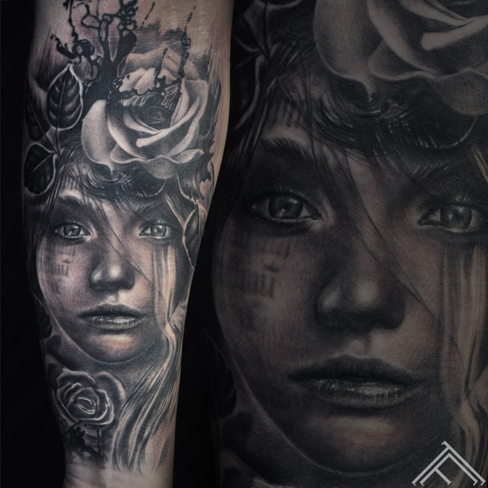 woman-portrait-tattoo-tattoofrequency-rose-ink-splash-brushstroke-marispavlo-instagram