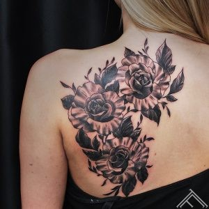 ziedi-flowers-tattoo-tetovejums-tattoofrequency-studija-salons-riga-art-martinssilins-maksla