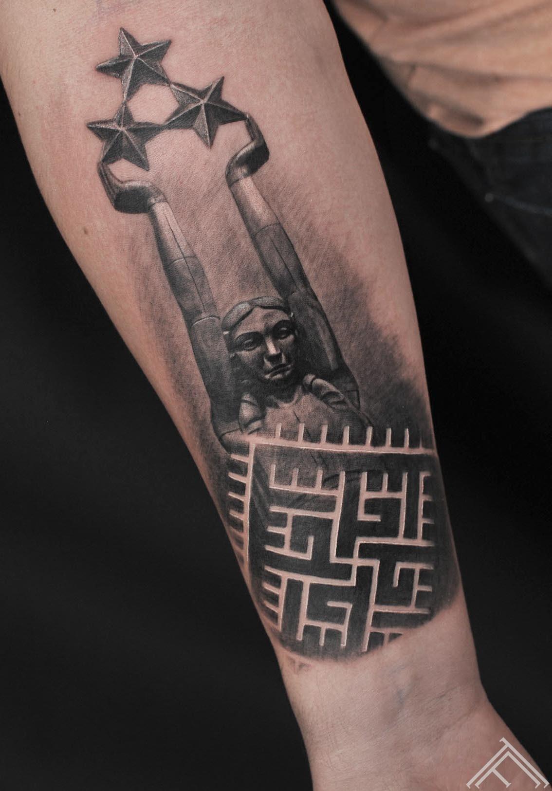 16-martinssilins-tattoo-tattoofrequency-milda-gerbonis-riga-latviesuzimes-latvija-simbols-symbol-latviansymbol-studija-salons-tetovesana-jumis-auseklis
