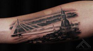 2-martinssilins-tattoo-tattoofrequency-art-riga-latviesuzimes-latviesu-latvija-simbols-symbol-latviansymbol-studija-salons-tetovesana-jumis-auseklis