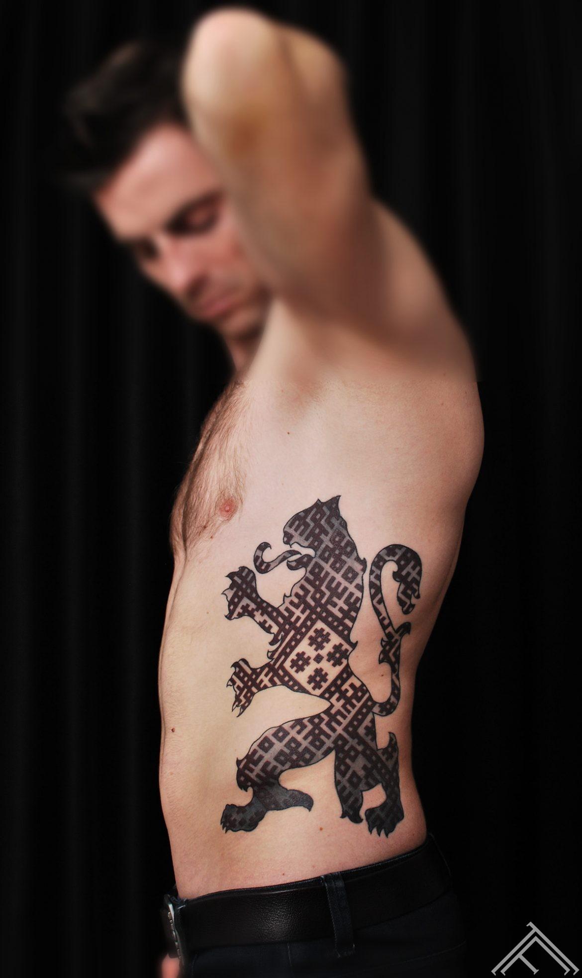 Latvijas_gerbonis_lauva_lielvardes josta_ simboli_ latvju zimes_ tattoofrequency_tetovejums_riga_facebook1