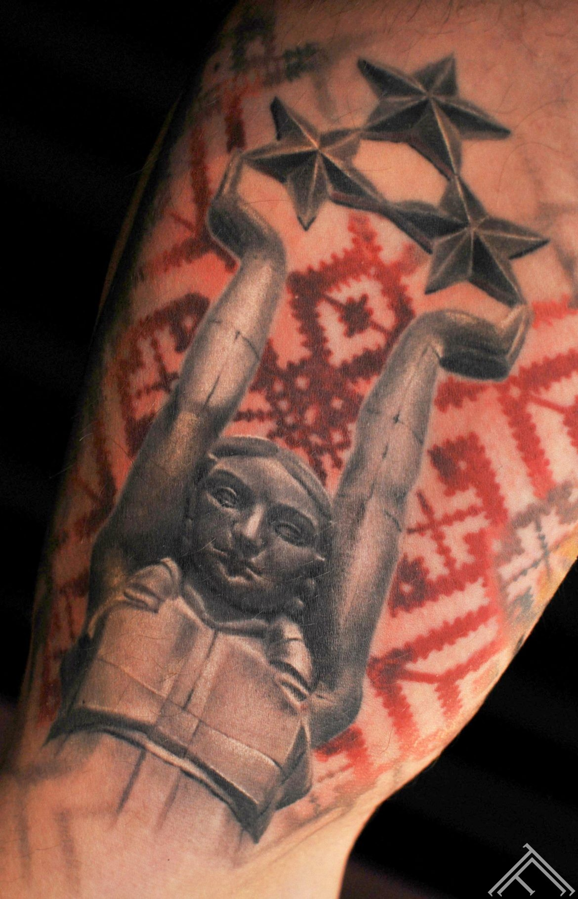 milda_riga_tattoo_monument_freedom_sculpture_culture_tattoofrequency_rigatattoo_latvia_latvija