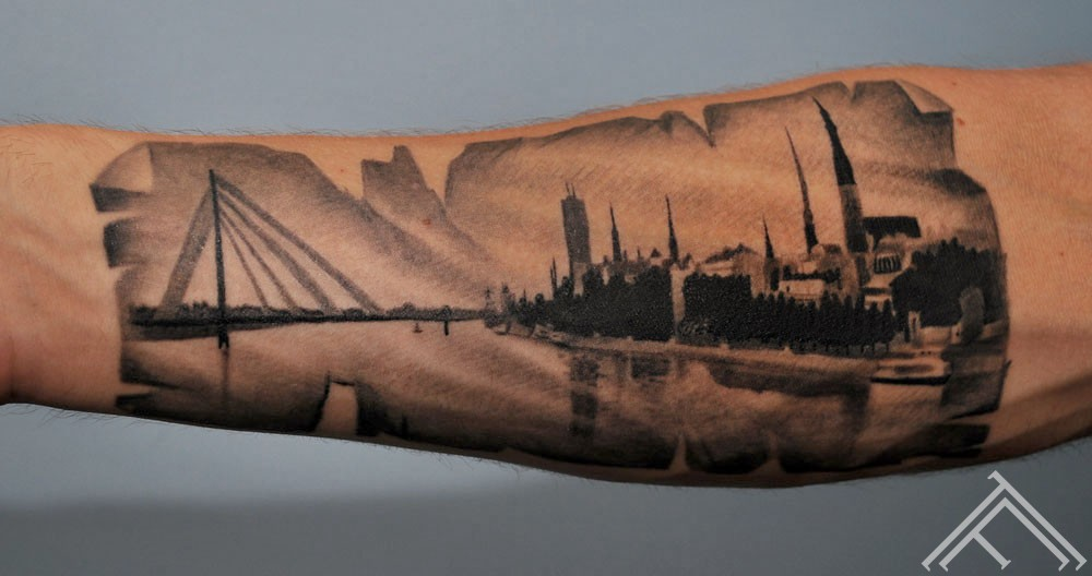 riga town_old town_bridge_maris pavlo_tattoo_cable bridge_city_oldcity_latvia_tattoofrequency_tattoosaloon_tattoostudioinriga