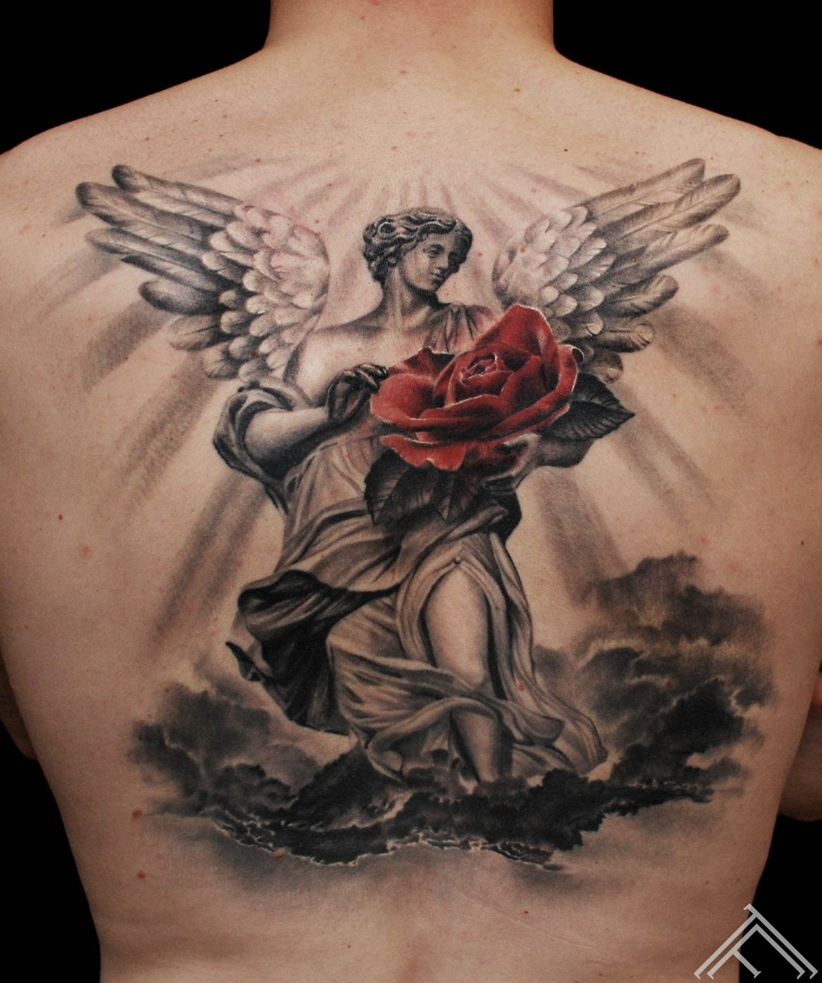Angel_rose_clouds_stars_back_tattoo_tattoofrequency_marispavlo_mlapa