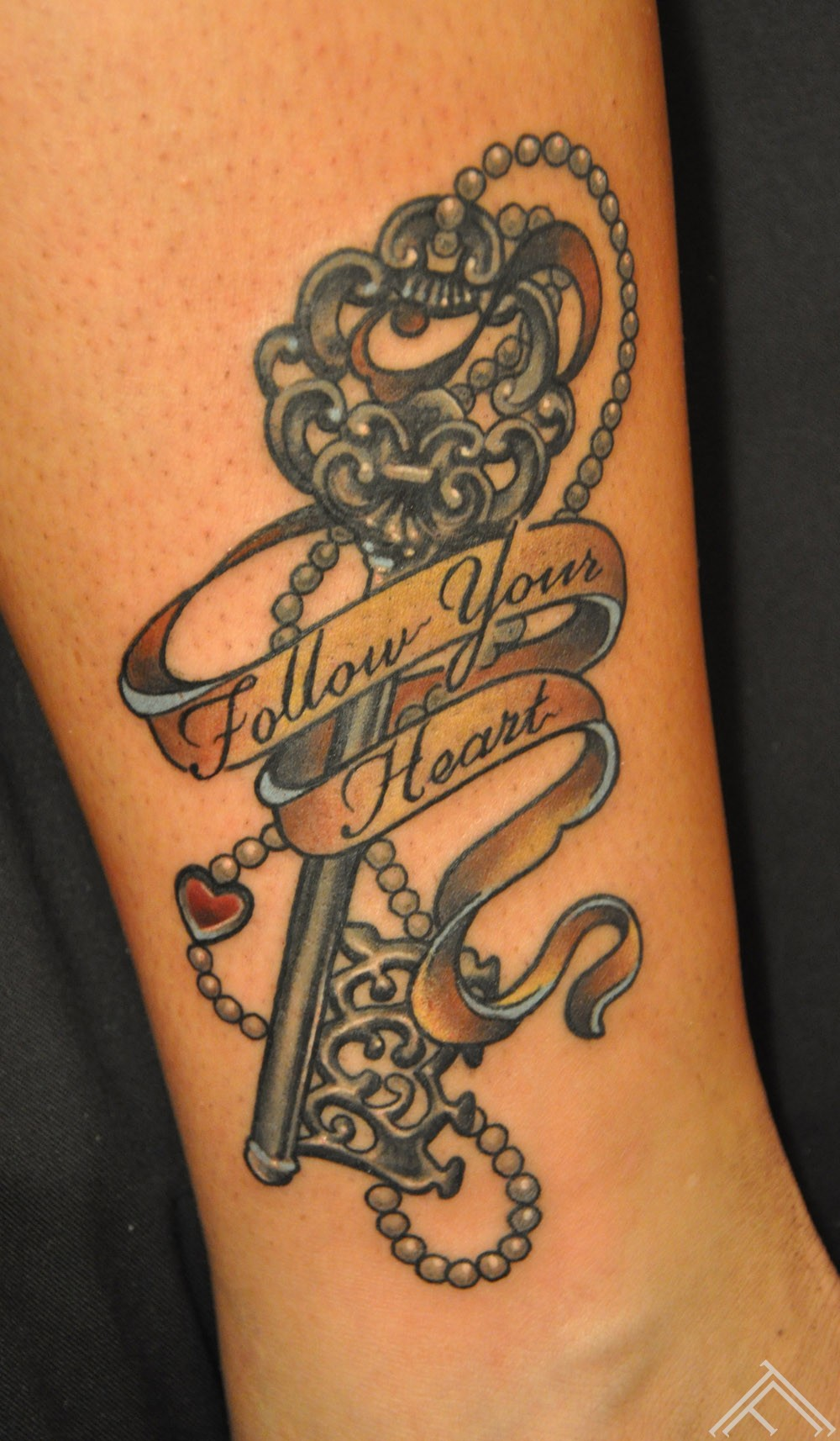 follow_heart_key_newtradicional_tattoo_tattoofrequency_tattoostudio_riga