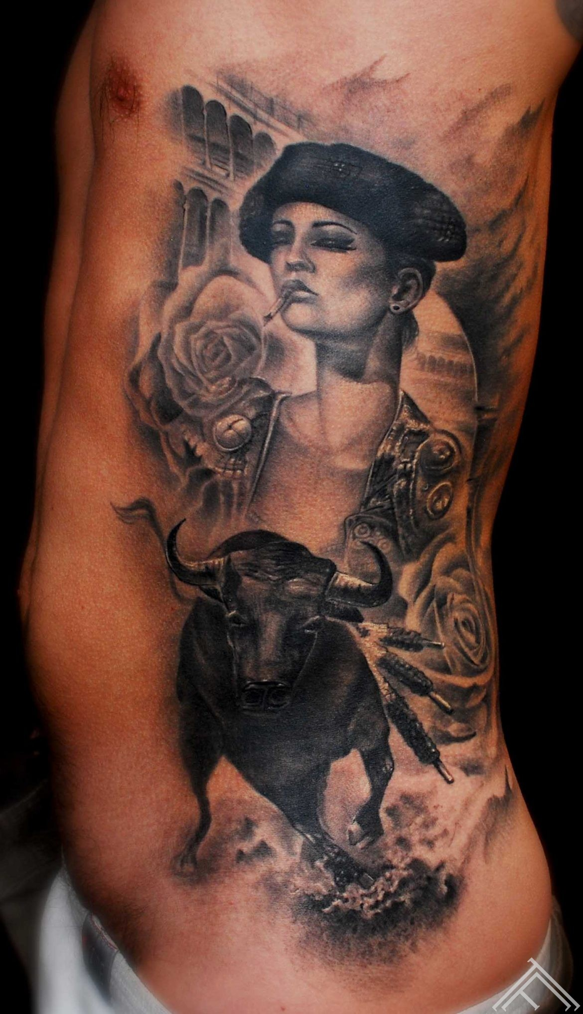 matador_bull_woman_roses_spain_portugal_arena_Brian_m_viveros_tattoo_marispavlo_tattoofrequency_riga_TF