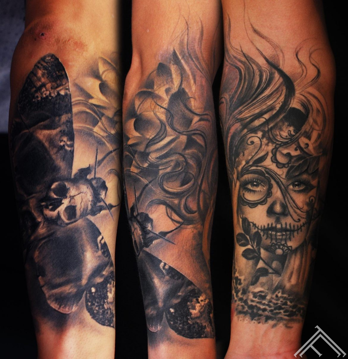 moth_muerte_tattoo_lotos_tattoofrequency_marispavlo