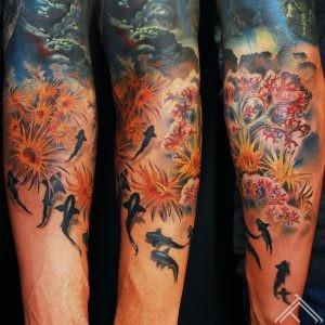 underwater_sharks_chorals_alage_tattoo_tattoofrequency_art_marispavlo