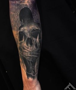 _woman_skull_tattoo_tattoofrequency_art_marispavlo