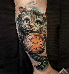 ceshire-cat-alice-wanderland-tattoo-tattoofrequency-riga-tetovejums-kaklis-marispavlo