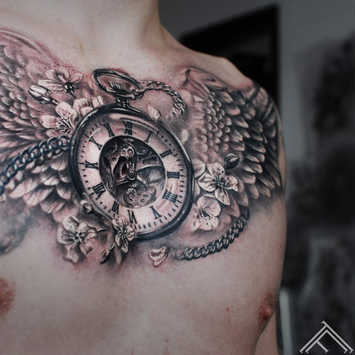 clock-wings-cherrybloosom-sparni-pulkstenis-ziedi-tetovejums-tattoo-riga-tattoofrequency