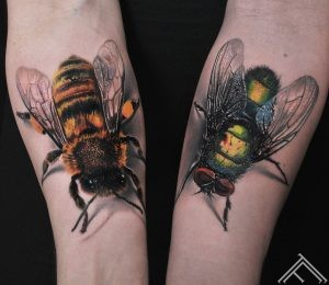 fly-bee-bug-insect-tattoo-tattoofrequency-marispavlo