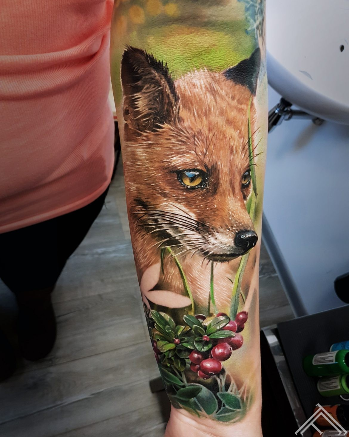 fox-cranberries-tattoo-tattoofrequency-riga-marispavlo-sporta2-art-tetovejums-lapsa-dzervenes
