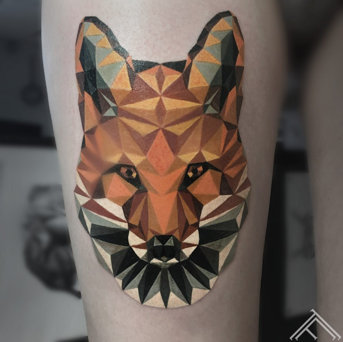 fox-lapsa-animaltattoo-geometric-tattoo-tattoofrequency-razin